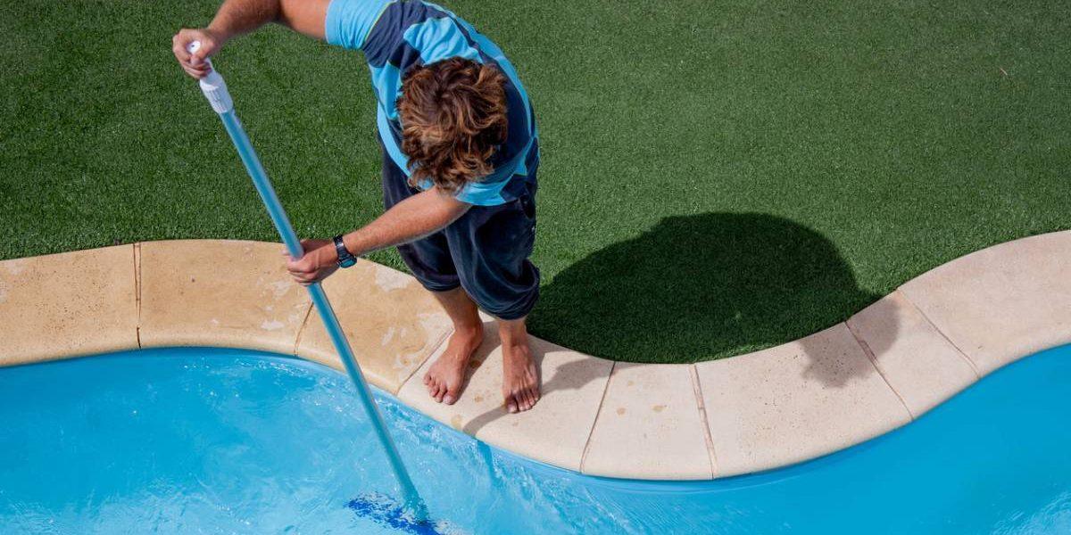 entretenir utiliser produits piscine.jpg